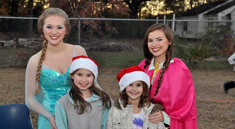 The kids love Anna and Elsa